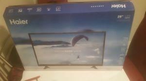 """Haier 28"""" led tv new in box HDTV 28e2000v for Sale in Garden City, NY"""