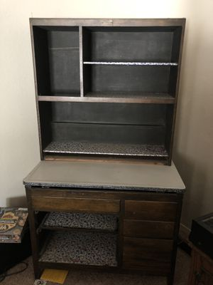 McDougall kitchen hutch for Sale in Fresno, CA