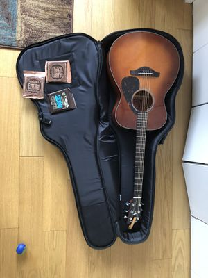 Yamaha Guitar FS700S with accessories for Sale in Jersey City, NJ