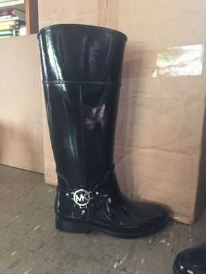 Brand new Michael Kors rain boots for Sale in New York, NY