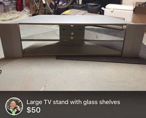 TV Stand $ 25.00 for Sale in Bridgeport, WV