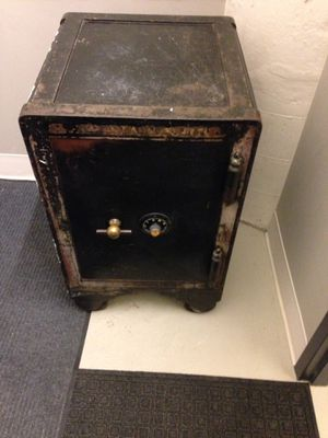 Antique Safe with combo for Sale in Cleveland, OH