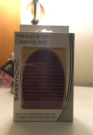 Makeup brush cleaner for Sale in Garden Grove, CA