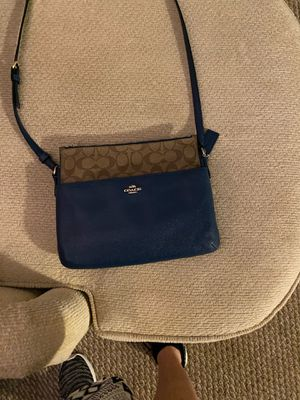 Michael Kors cross body purse for Sale in Indian Trail, NC