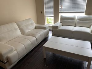 White leather couch and love seat for Sale in Irving, TX
