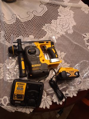 Dewalt 20v xr sds hammer drill kit for Sale in Charlotte, NC