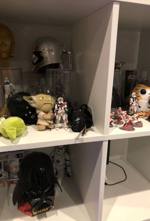 Star wars collectibles for Sale in Wallingford, CT