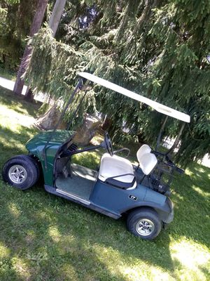 """EzGo GOLF CART """"w Charger"""" for Sale in Akron, OH"""