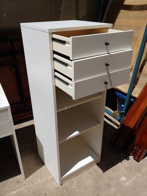 Dresser with shelf for Sale in Clovis, CA