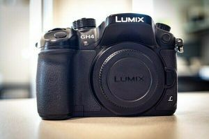 Panasonic lumix gh4 (body only) for Sale in Fresno, CA