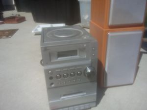 Cd player and radio for Sale in Modesto, CA