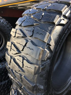 37/13.50R22 Nitto M/T tires (4 for $500) for Sale in Whittier, CA