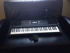 Yamaha 61-key portable keyboard, headphones, pedal and music stand for Sale in Las Vegas, NV