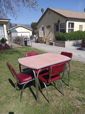 Retro red dining table and chairs for Sale in San Bernardino, CA