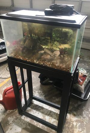 10 gallons fish tank with stand for Sale in Orlando, FL