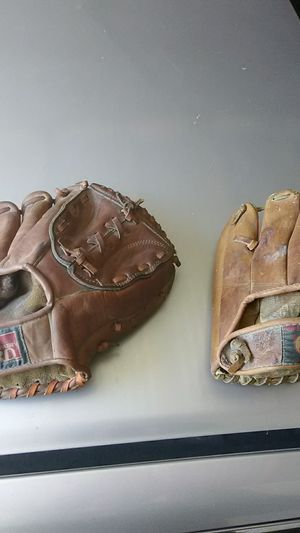 Vintage baseball gloves for Sale in Edgewood, WA