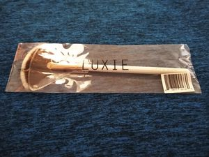 Luxie makeup brush $6 for Sale in Upland, CA