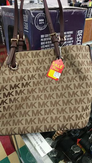 Michael Kors brown leather for Sale in Sunset Valley, TX