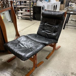 Westnofa Teak Leather Lounger/Ottoman for Sale in Issaquah, WA