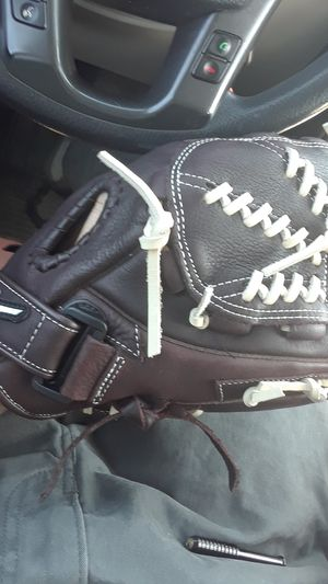 Mizuno Baseball Glove (New) for Sale in Tuscaloosa, AL