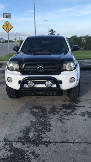 Toyota tacoma 2005 4&4 for Sale in Winter Haven, FL
