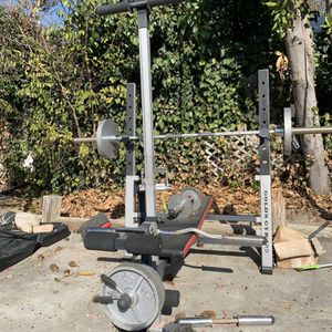 Bench Press with weights for Sale in San Bernardino, CA
