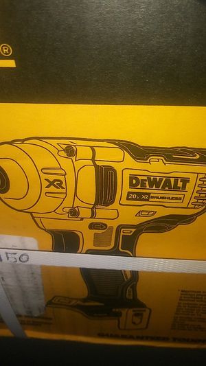 Dewalt 1/2 mid range impact for Sale in Obetz, OH