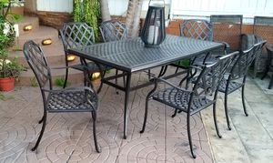 Cast Aluminum Dining Patio Set with 7 Pieces Patio Set! Excellent Conditions for Sale in Spring Valley, CA