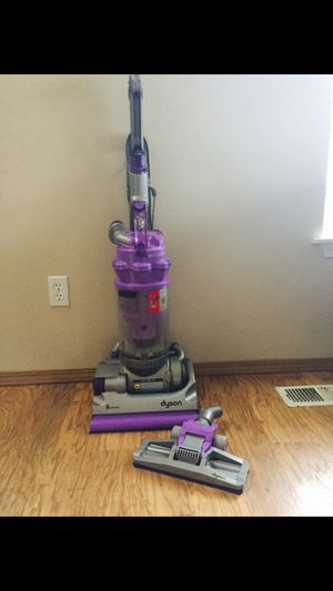 Dyson vaccum for Sale in Everett, WA