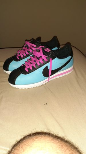 Nike cortez south beach size 9 men's for Sale in Brentwood, NC