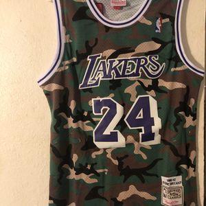 Camo Los Angeles Lakers Kobe Bryant Jersey for Sale in Bellevue, WA