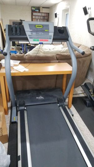 NordicTrack APEX 4100i Treadmill for Sale in Streamwood, IL