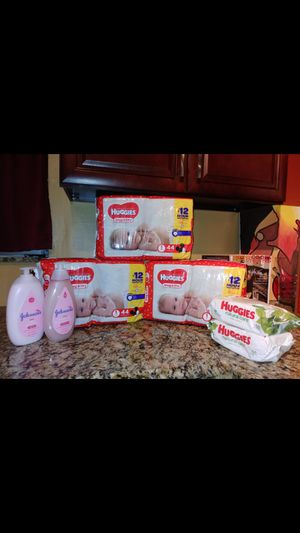 Mini Huggies Diaper Bundle $25 for Sale in Miami, FL