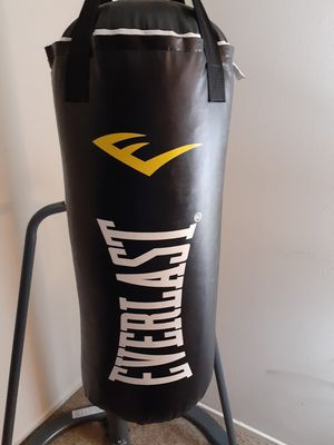 **Boxing bag & Stand** for Sale in Baltimore, MD