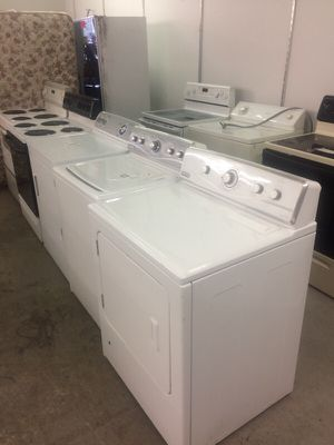 Maytag washer and dryer set gas for Sale in East Saint Louis, IL