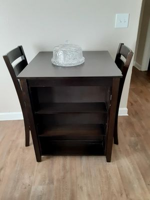 American Signature BRAND, rarely used dining table for Sale in Peachtree Corners, GA