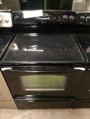 Maytag electric Stove in exelent condition for Sale in Baltimore, MD