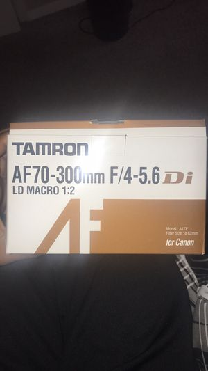 Tamron AF70-300mm F/4-5.6 Di LD MACROA 1:22 Cannon Lens for Sale in Evansville, IN