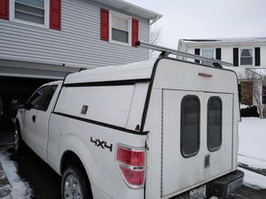 7' LEER camper decent condition for Sale in Glendale Heights, IL