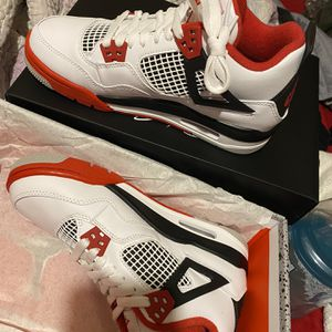 Jordan 4s Fire Red for Sale in Los Angeles, CA