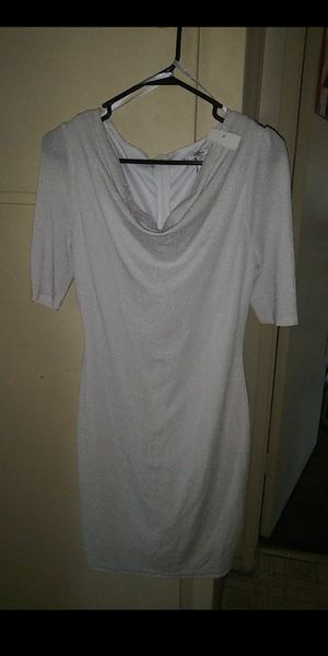 LARGE Beautiful White Dress for Sale in Downey, CA