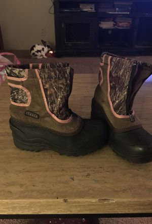 Girls boots size 13 snow boots for Sale in Sturgis, KY