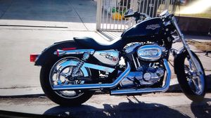 2009 Harley Davidson 883 Sportster runs great brand new tires crome 22000 miles custom pipes. more info call 747 732 6815 6500 obo. for Sale in San Fernando, CA
