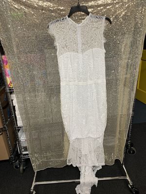 White Dress with Train Brand New Lace Size large for Sale in Whittier, CA
