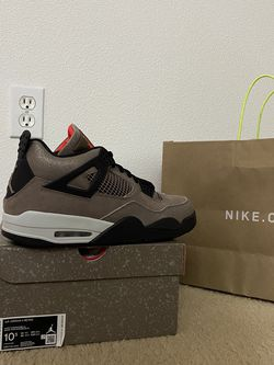 Air Jordan 4 Retro Taupe Haze- Men Size 10.5 for Sale in Happy Valley,  OR