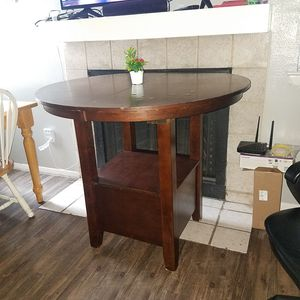 Dining table expand,becomes joggers I have the other piece for do it, some scratches, good conditions,pick up only,take cash only. for Sale in Austin, TX