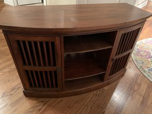 Media console mahogany wood. for Sale in Elmhurst, IL