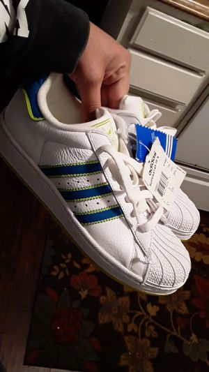 Adidas new size 4 youth for Sale in Stockton, CA