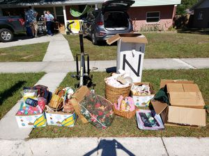 FREE!!!! household items. Everything must go. Tons of brick and brack gifts throughout the years . Xmas Easter toys collectables for Sale in Brandon, FL