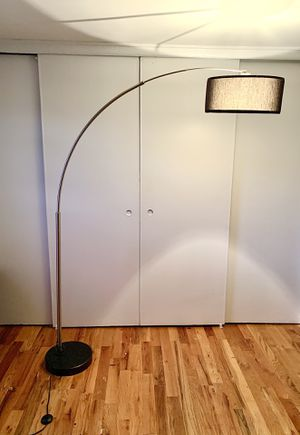 Arching floor lamp for Sale in Newark, NJ